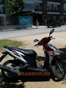 Motor kita di Krabi, Honda Click!